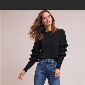 Line dot ruffled sleeve sweater